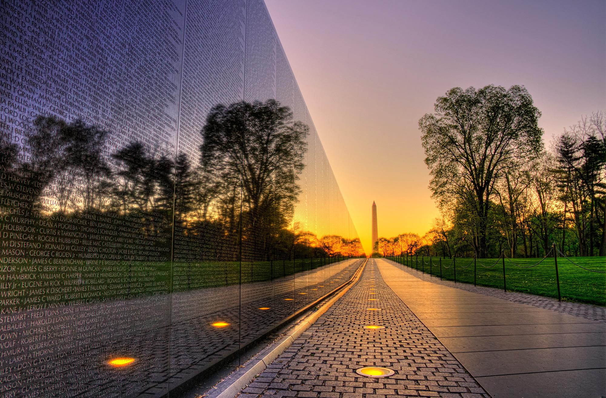 Vietnam memorial wall Washington