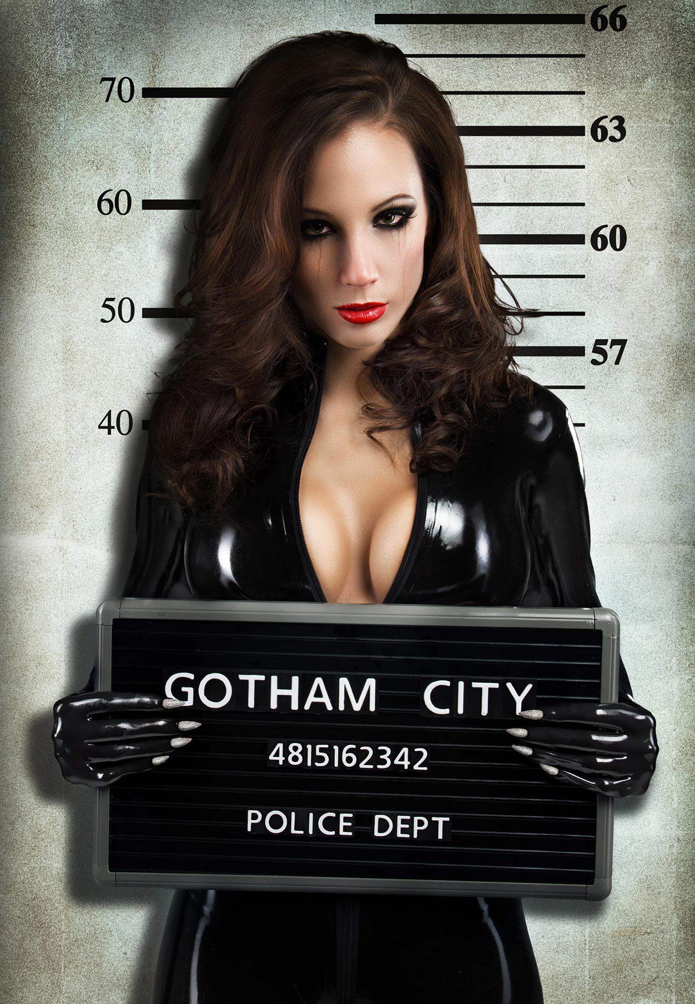 L'arrestation de Catwoman! Mugshot