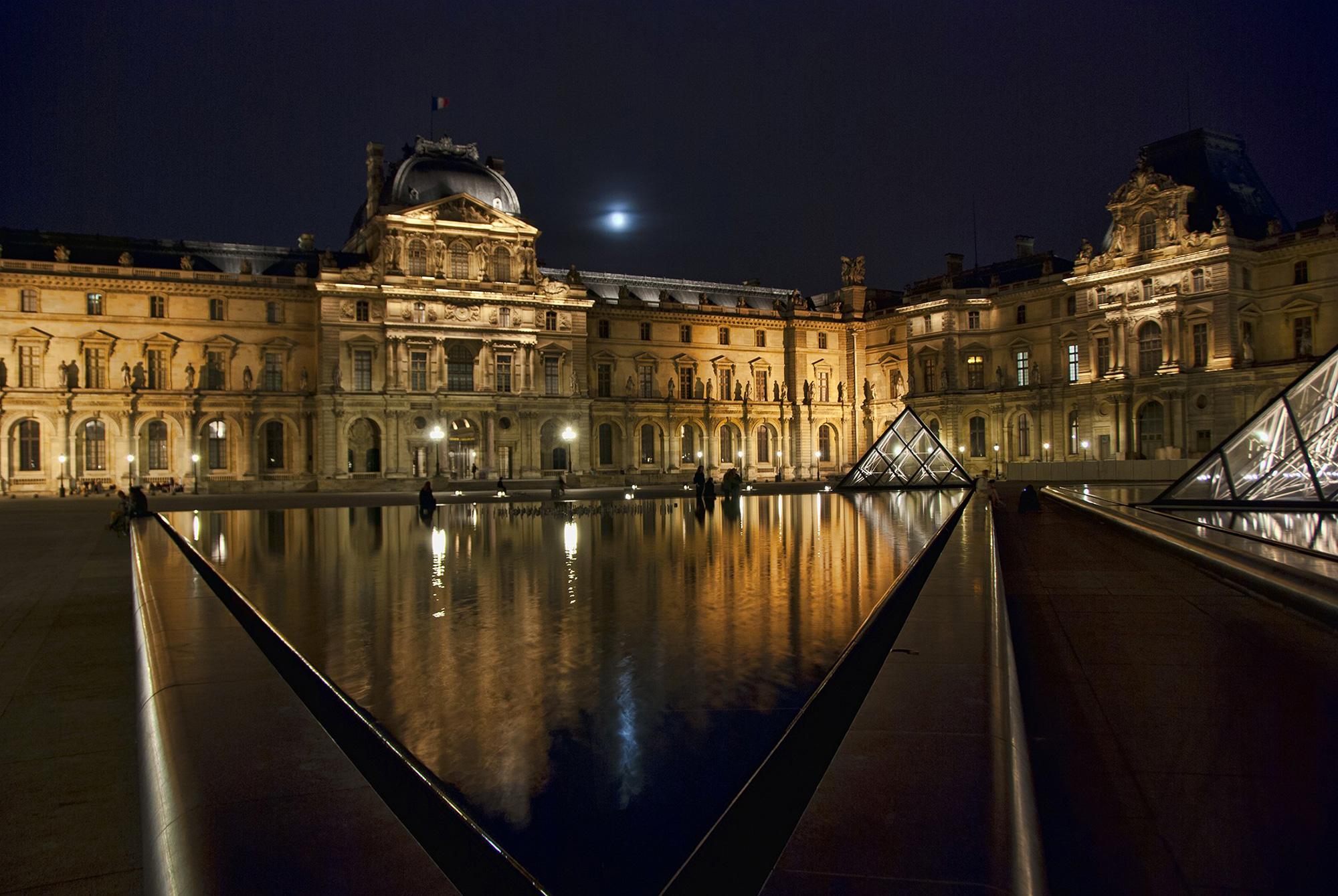 Paris night louvre hdr