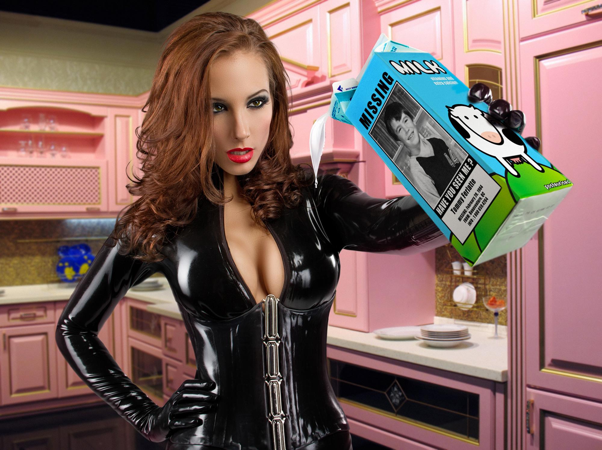 Tommy a sa photo sur une pinte de lait - Catwoman milk