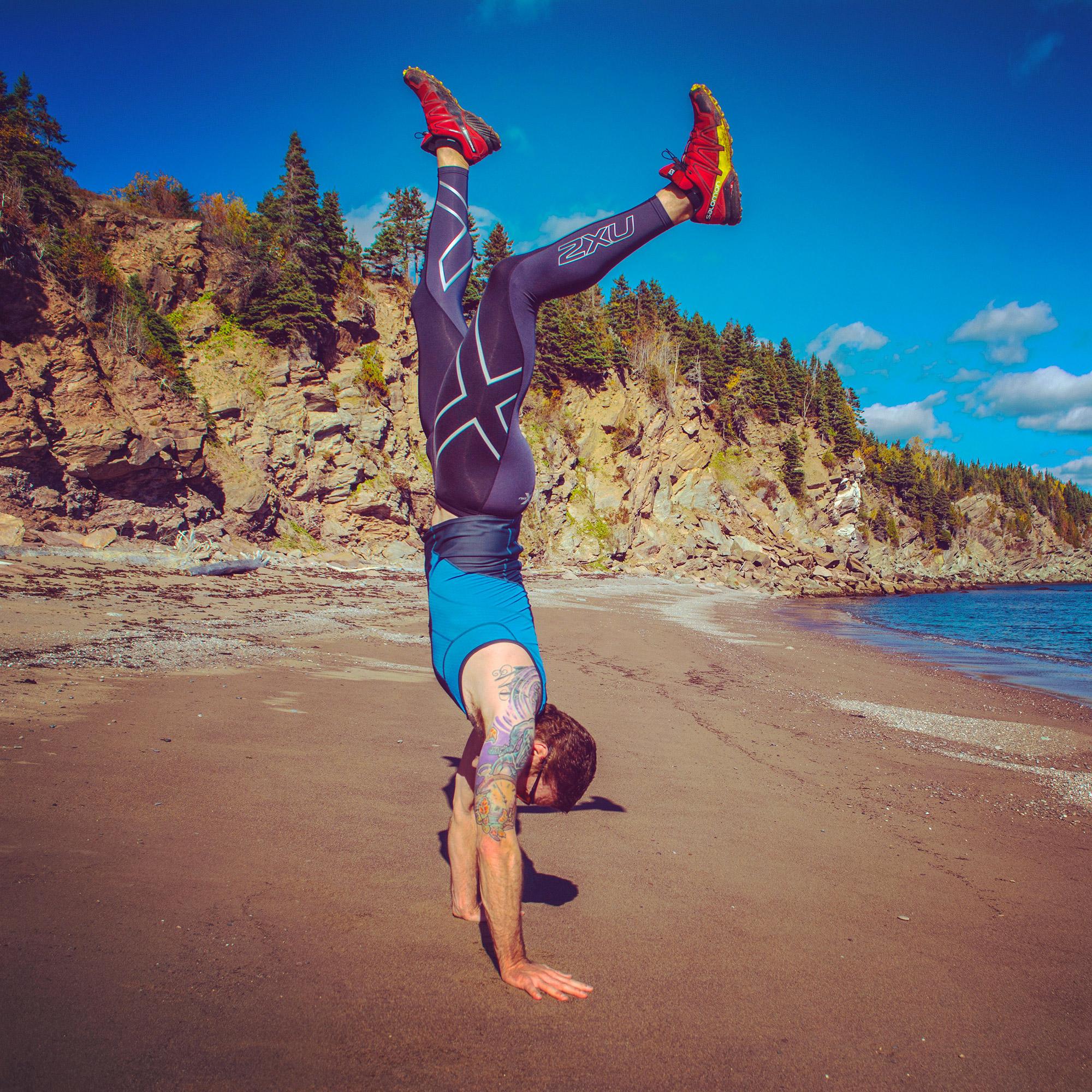 handstand 2XU