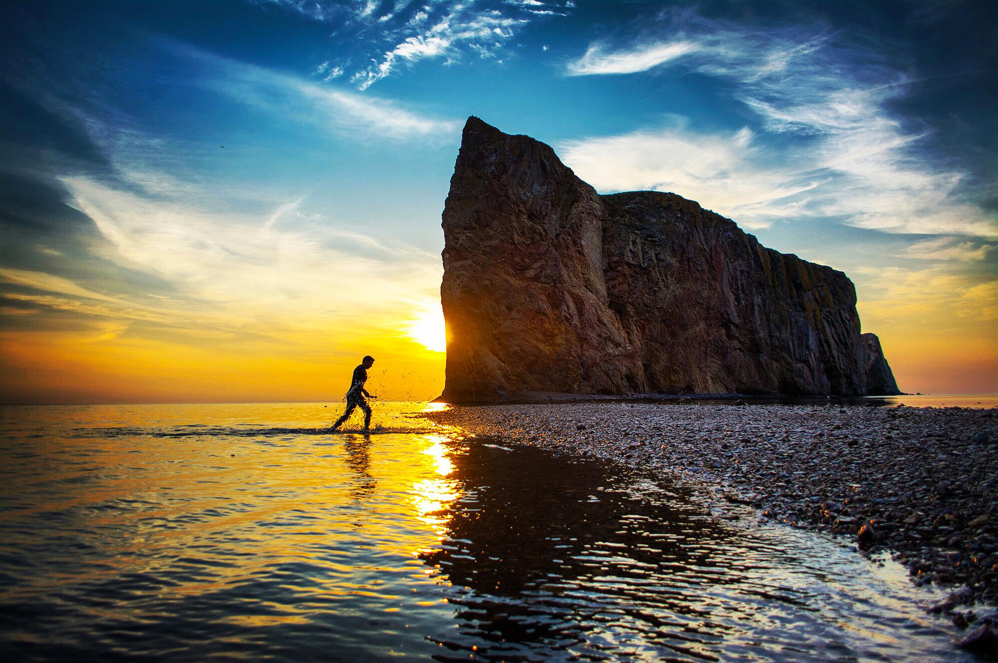 Lever de soleil au Rocher Percé 2XU wetsuit GHST
